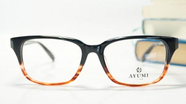 AYUMI 047 col.7097 (フロント:ブラック-ブラウンツートン つる:ブラック) SIZE 54□17-145